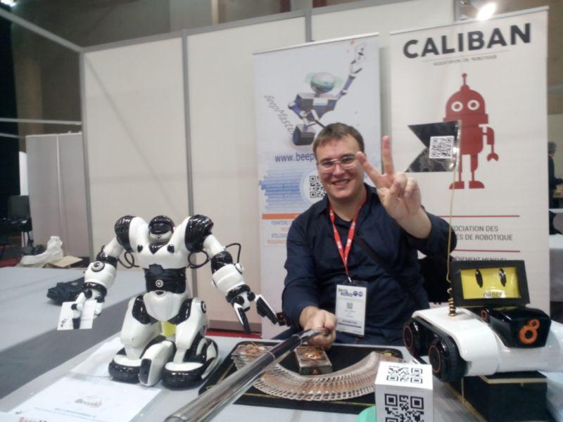 Cédric Vasseur Innorobo 2017 Présentation QRBeep BeepAi et tours de magie robotique